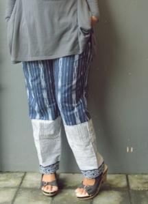 celana tenun sumba